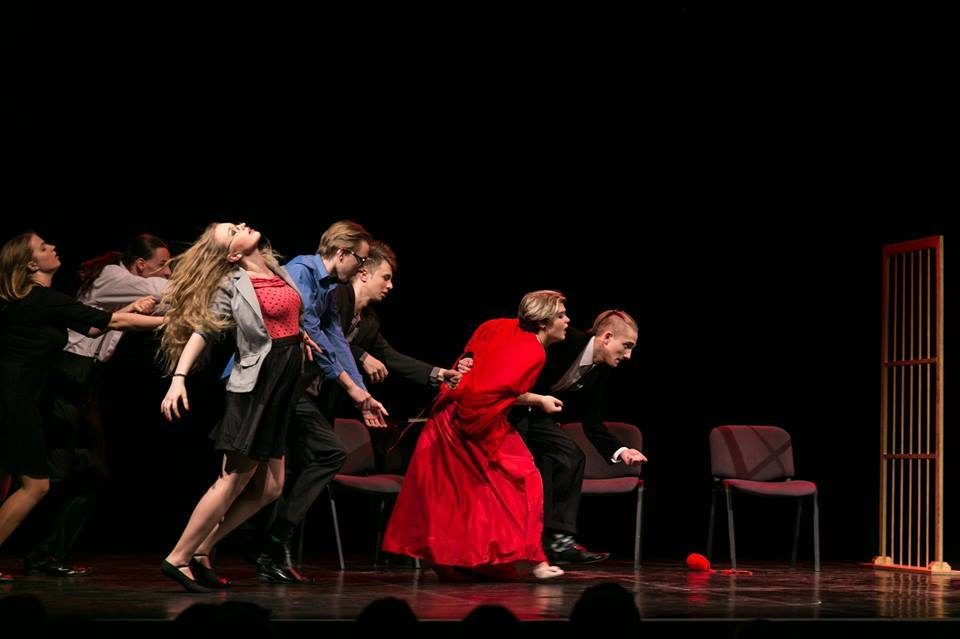 """Spektakl Teatru Stopa """"Ostatnia stacja rewolucja"""""""