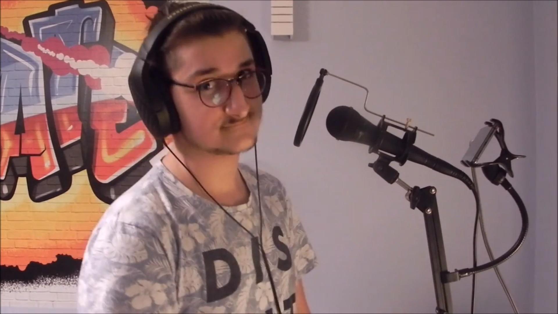 Uczestnik konkursu piosenki angielskojęzycznej
